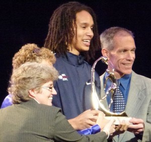 512px-Brittney_Griner_accepting_Wade_Trophy_2